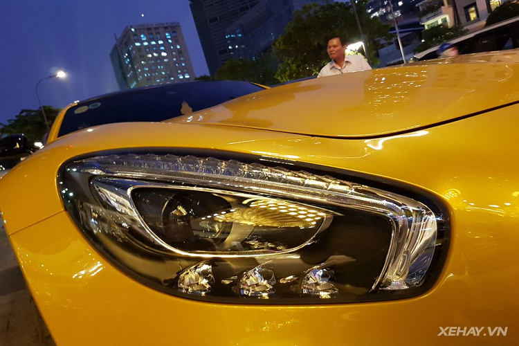 can canh mercedes amg gt s edition 1 hon 8 ty dong tren pho sai thanh