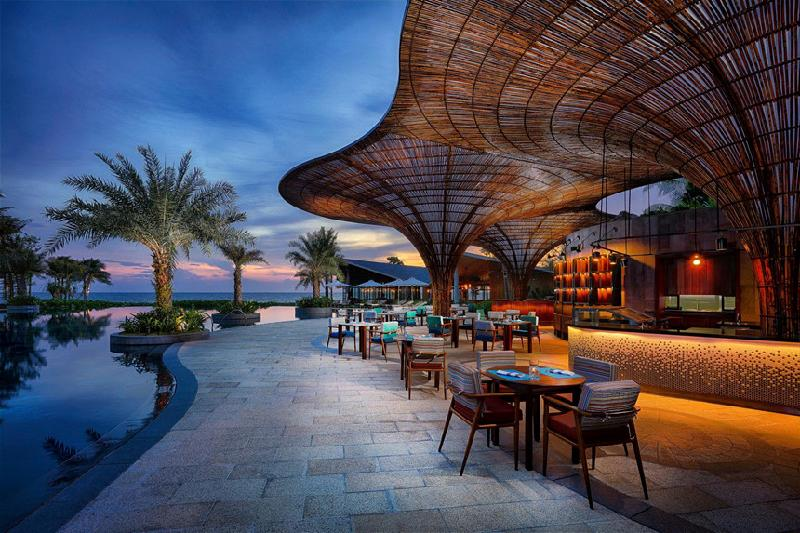 10. InterContinental Phu Quoc Long Beach Resort, Việt Nam: